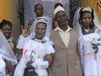 ssemanda-menikahi-tiga-wanita-sekaligus_20180103_012537.jpg