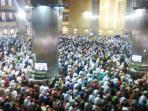 suasana-ibadah-salat-jumat-di-masjid-istiqlal-jakarta_20160325_151719.jpg
