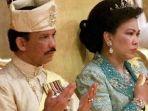 sultan-brunei-hassanal-bolkiah-dan-istri-keduanya-mariam-aziz_20180717_223055.jpg