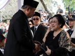 susilo-bambang-yudhoyono-berjabat-tangan-dengan-presiden-kelima-ri-megawati-soekarnoputri.jpg