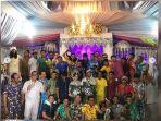 tamu-undangan-gunakan-piyama-di-acara-pesta-pernikahan-1.jpg