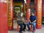 taufik-salmi-rohaniawan-khongfuchu-bersama-pimpinan-redaksi-bangka-pos-ibnu-taufik-juwarianto.jpg