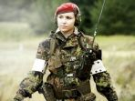 tentara-wanita-rusia-anggota-spetsnaz_20180925_155932.jpg