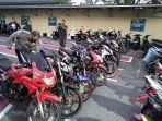 tim-satlantas-polres-bangka-menyita-13-unit-sepeda-motor-pembalap-liar.jpg
