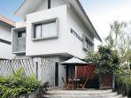 tips-hadirkan-rumah-seluas-135-meter-dengan-teras-asik-buat-ngumpul-ciamik-banget.jpg