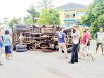truk-yang-terbalik-usai-terlibat-kecelakaan-beruntun-di-jalan-soekarno-hatta.jpg