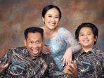 tukul-arwana-bersama-dua-anaknya.jpg