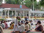 umat-muslim-di-pangkalpinang-melaksanakan-salat-ied-idul-adha-1441-hijriah.jpg