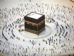 umat-muslim-mengitari-kabah-saat-melakukan-tawaf-ibadah-haji.jpg