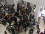warga-penuhi-samsat-pangkalpinang_20170105_141702.jpg