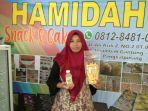 wiwik-nur-fatimah-pemilik-umkm-hamidah-snack.jpg