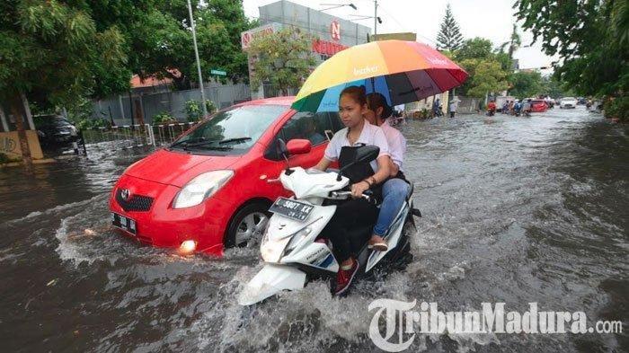 Tips Merawat Motor saat Musim Hujan