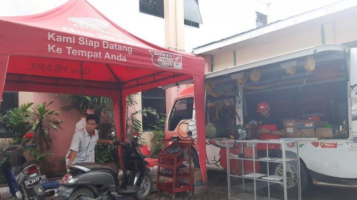 Khusus Hari ini, Puluhan Sepeda Motor Honda Diservis Gratis di Halaman Kantor Bpost Group