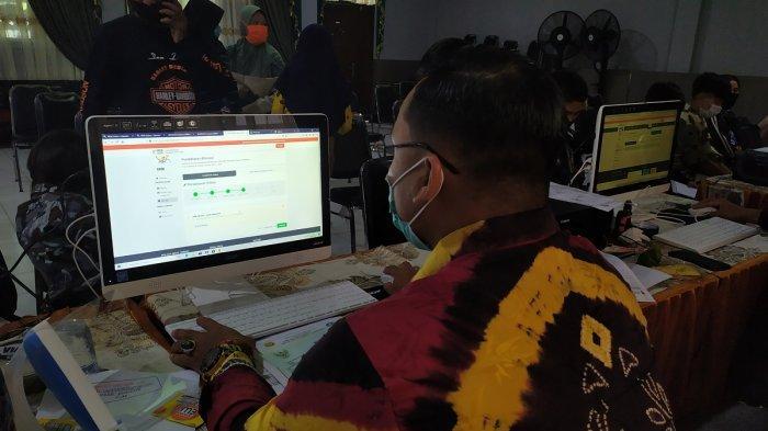 PPDB Online SMA/SMK di Banjarmasin, 10 Kali Gagal Mendaftar, Lia Langsung Sambangi Sekolah