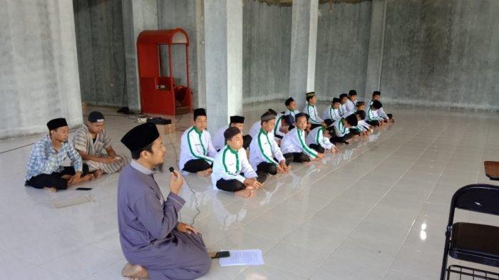 Bacaan Niat Mengerjakan Puasa Ayyamul Bidh / Puasa Putih Bulan Muharram 2020, Selasa 1 September