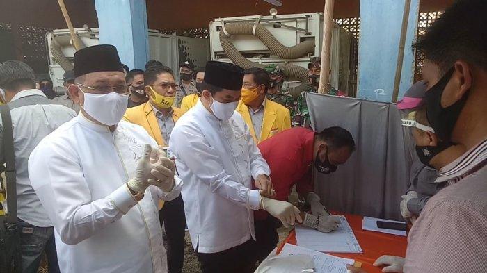 Pilkada Kotabaru 2020 - SJA-Andi Rudi Tiba di KPU Kotabaru Didampingi Tim Pemenangan