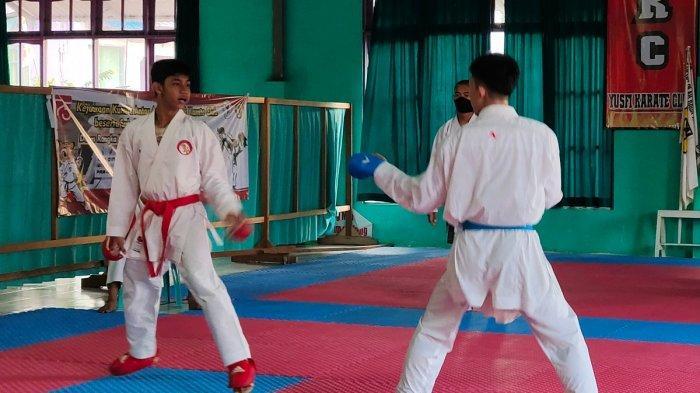 Perjalanan Yusfi Cetak Karateka Dunia, Rela Kredit Matras untuk Latihan Atlet