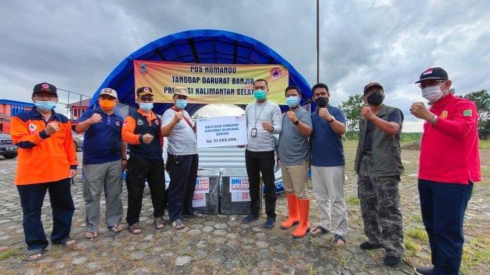 BRI Cabang A Yani Banjarmasin Serahkan Bantuan Perahu Karet ke BPBD Kalsel