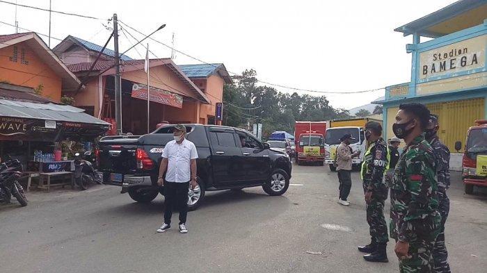 Ketua DPRD Kotabaru Syairi Mukhlis persiapan berangkat menyalurkan bantuan untuk korban banjir di Hulu Sungai Tengah