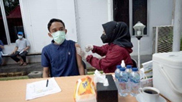 Vaksinasi kepada Keluarga Pegawai