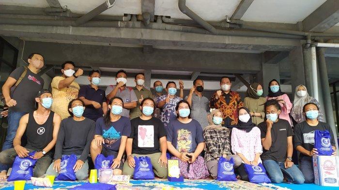 Satu Bulan Bantu Korban Banjir di Kalsel, Relawan Mapala UNISI Tinggalkan Kenang-kenangan di HST