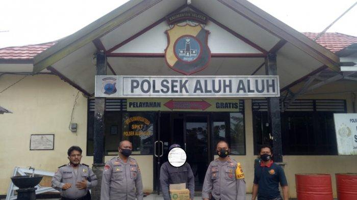 Terjaring dalam Giat Operasi Pekat, Dua Penjual Alkohol Diamankan ke Mapolsek Aluhaluh Polres Banjar
