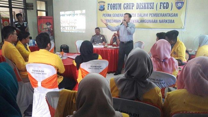 Satnarkoba Polres Tapin Diskusi dengan Kades Tentang Narkoba di Forum FGD