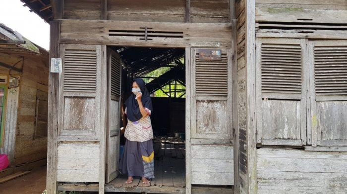 Rumah Acil Eper Reot Tak Layak Huni. Camat Panyipatan Tanahlaut Usulkan ke Program Bedah Rutilahu