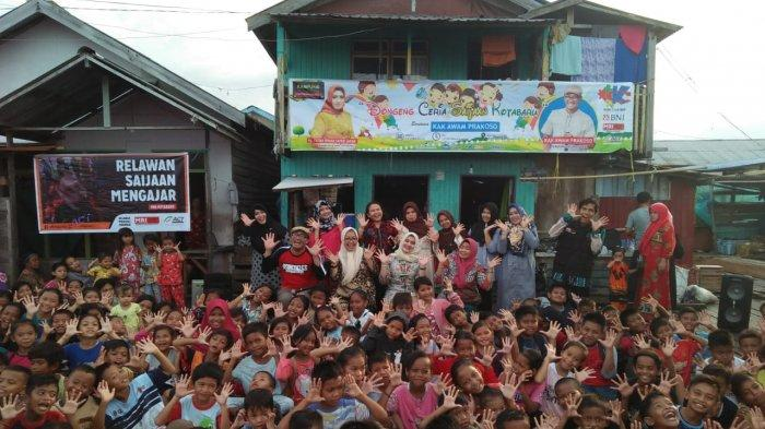 Dongeng Kemanusiaan Bangkitkan Semangat Anak Nelayan Desa Rampa Kotabaru