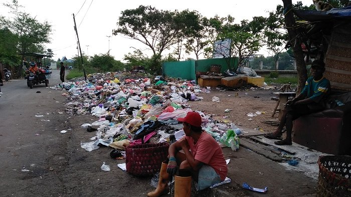 Warga di Kawasan Ini Membuang Sampah Sembarangan, Padahal Disediakan TPS