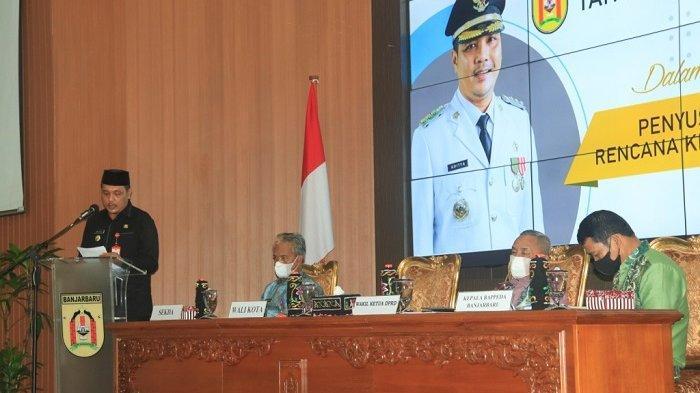 Wali Kota Banjarbaru Aditya Mufti Ariffin saat rapat gabungan SKPD Pemko Banjarbaru, Kamis (25/3/2021).