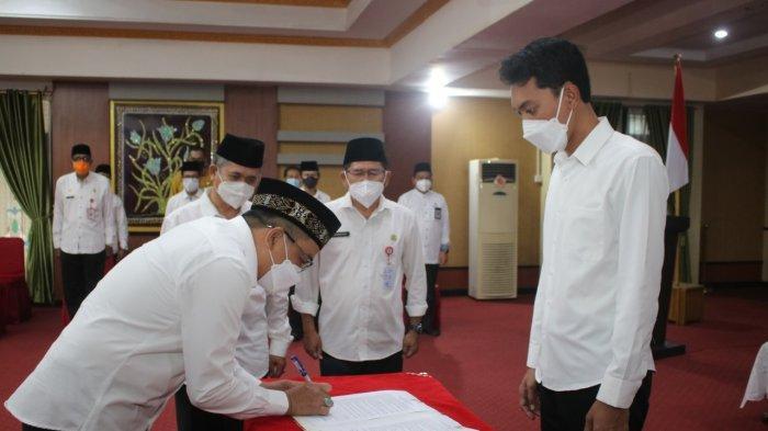 Ahmad Solhan dilantik Kadis PUPR Banjar, Jumat (23/4/2021).