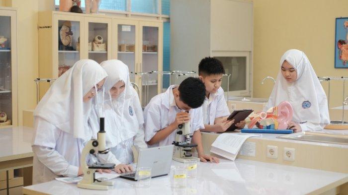 Keren, Masa Pandemi, Siswa SMP dan SMA Al Mazaya Tetap Berprestasi