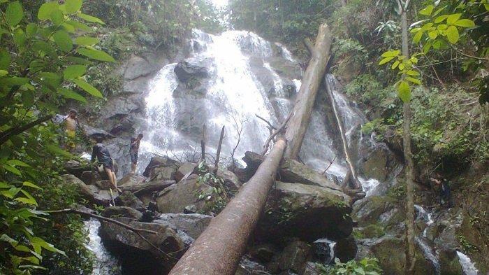 Berada di Kawasan Meratus, Dua Kecamatan di Balangan Ini Tawarkan Wisata Air Terjun Menawan