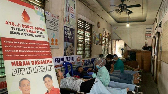 Peringati May Day di Masa Pandemi dan Ramadan, FSPMI Kalsel Hanya Gelar Aksi Sosial
