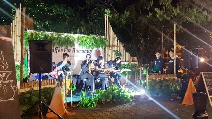 Cara Humanis Komunitas di Tapin Galang Dana, Penikmat Kopi Rela Merogoh Kocek Berdonasi