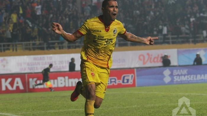 Suporter Sriwijaya FC Kepung Striker Timnas Indonesia Usai Kalah dari Arema FC di Liga 1 2018