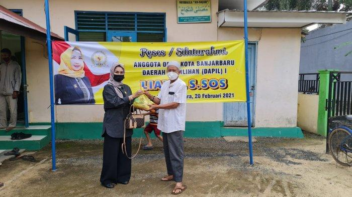 Anggota DPRD Banjarbaru Liana SSos memilih mengunjungi Daerah Pemilihan