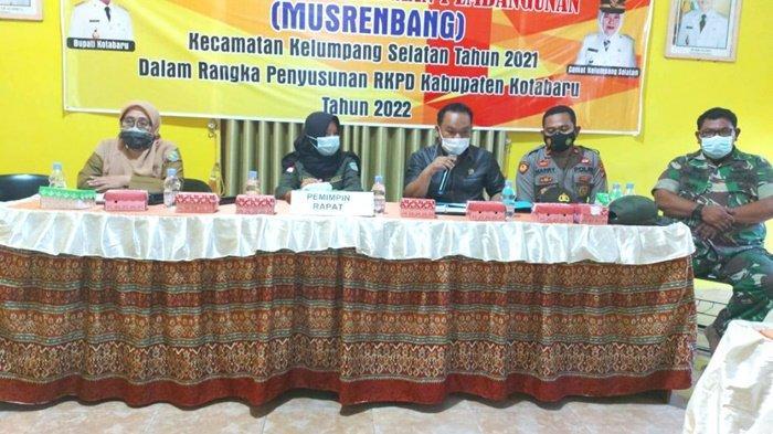 Anggota DPRD Kotabaru Awaludin Hadiri Musrenbang di Kelumpang Selatan