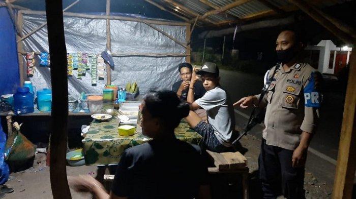 Warga Batik Batola Curhat Warung Remang, Camat, Kapolsek dan Danramil Turun Lakukan Penertiban