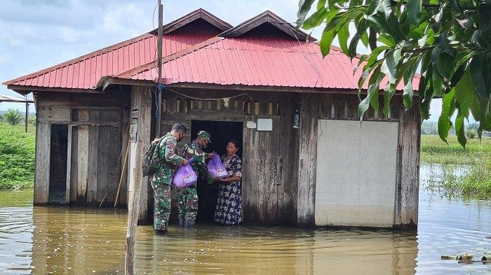 Banjir Kalsel Masih Rendam Rumah Warga di Cintapuri Darussalam, Danrem Minta Warga Sabar
