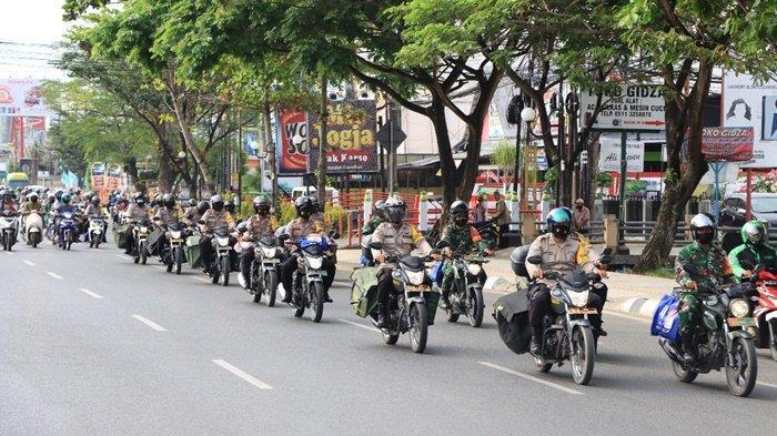 Paket Sembako Dibagikan Polresta Banjarmasin untuk Warga Terdampak Covid-19