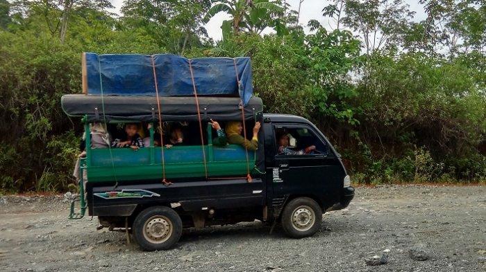 Menembus Desa di Hulu Waduk Riam Kanan Lewat Jalur Darat, Polres Banjar Imbau Ini