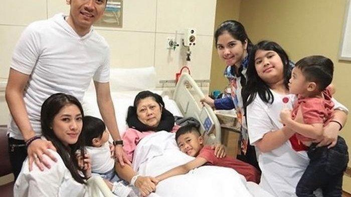 Penampilan Annisa Pohan & Aliya Rajasa Disorot Saat Pengajian Ani Yudhoyono, Menantu SBY Cantik!
