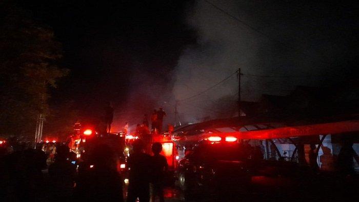 Api di Pasar Keramat Barabai Sudah Dapat Dikuasai, Polisi Lakukan Penyelidikan Penyebab Kebakaran
