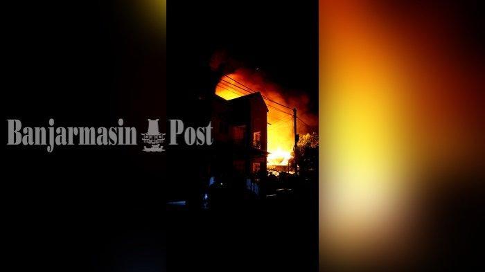 Kebakaran di Banjarmasin, Api Lalap Rumah di Jalan Cempaka Membuat Jemaah Tarawih Bubar