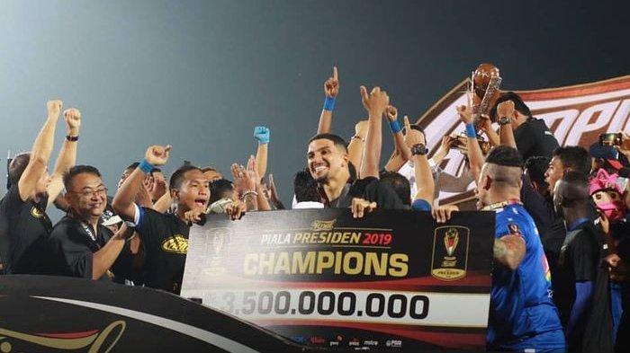 Masa Tenang Pemilu 2019, Arema FC Tunda Arak-arakan Trofi Piala Presiden 2019