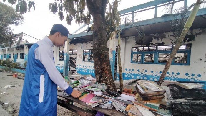 Ponpes Al Falah Banjarbaru Terbakar, Baju, Kitab dan Uang Rp 1 Juta Milik Arifin Ikut Hangus