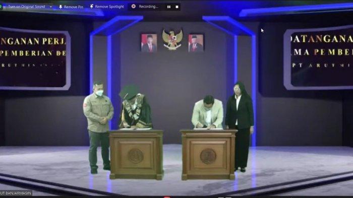 PT Arutmin Indonesia menandatangani naskah kerja sama dengan Universitas Terbuka (UT) Banjarmasin pada 7 April 2021 bertepatan dengan acara wisuda daring tahun 2021.