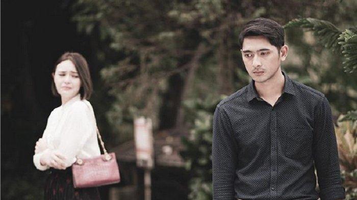 Penampakan Arya Saloka Shalat di Lokasi Syuting Ikatan Cinta Beredar, Fans Amanda Manopo Cs Baper